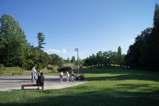 にぎやか公園
