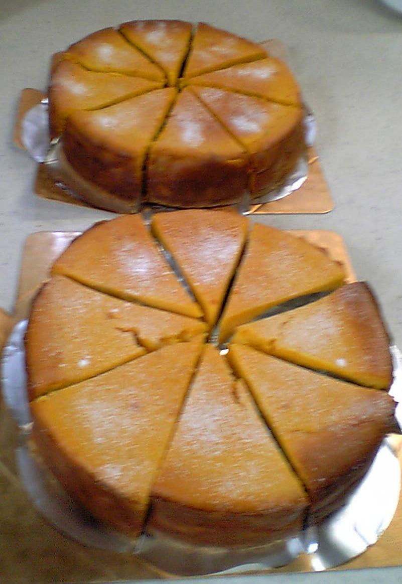 切り分けたケーキ
