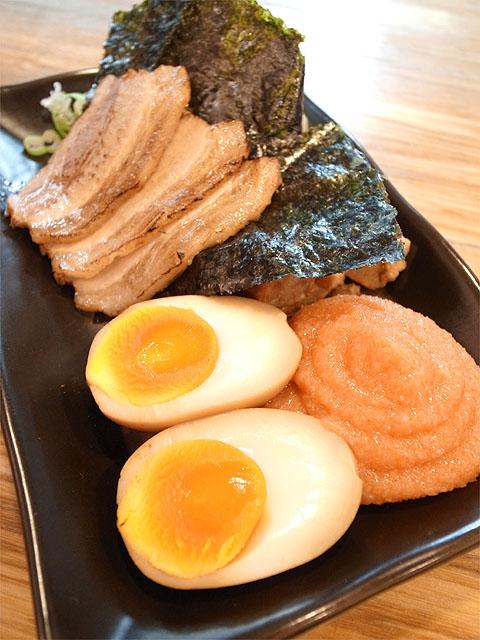 140922二代目白神-博多つけ麺・具
