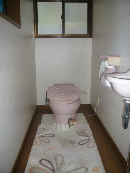 着工前トイレ20130310