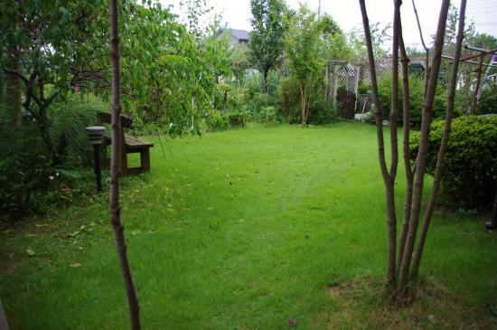 芝生の庭_convert_20110825172858