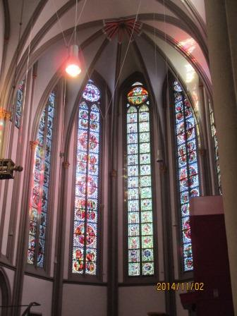 メンヒェングラートバッハ大聖堂のステンドグラス