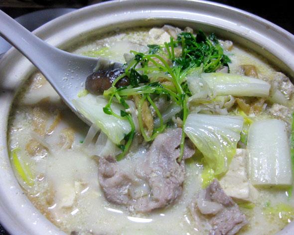 鶏ゴボー豆乳鍋