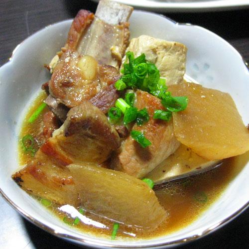 スペアリブと豆腐の煮物