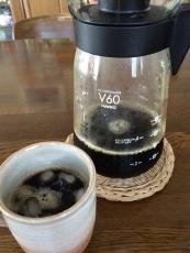 今日は概ね中挽きでゆっくり抽出した。中々うまく出来た気がする。 #アイスコーヒーメーカー #ハリオ