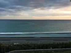 今日は空が暗い割に海は綺麗な色。 #海 #海photo