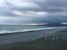 伊豆半島もシルエット(時間帯的に)だがはっきり見える。#海 #海photo