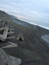 台風の後の割にゴミが少ないな。 #海 #海photo