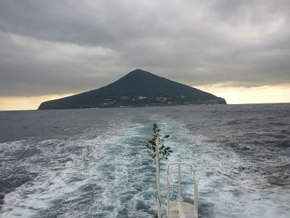 2011.12.28_29 利島 102.JPG