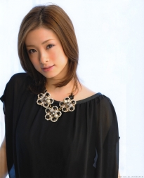 ueto_aya_g061.jpg