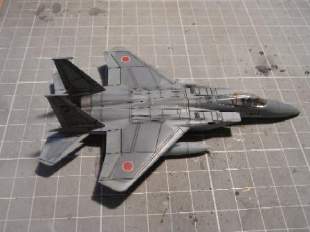 F15J003.jpg