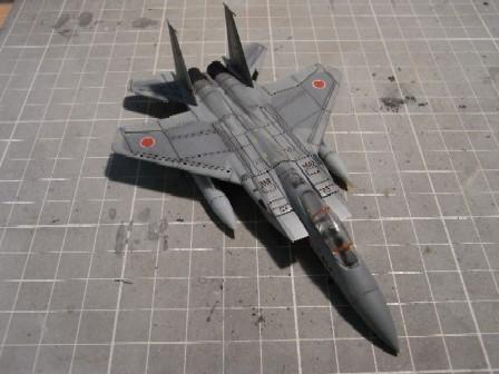 F15J004.jpg