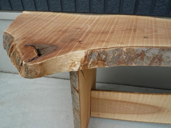 浮いていた木の皮は、削り落としました