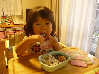 2010 06 03 もものお弁当 mite01