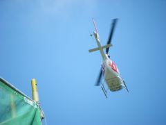 現場上空にヘリコプターが・・・・。