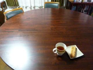 まーるいテーブルに変身。
