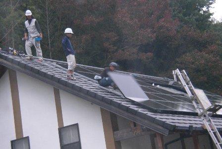 太陽電池取り付け