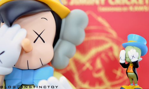 blogtop-kawspinocchirelese.jpg