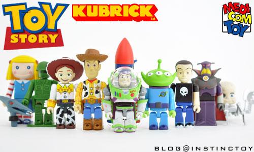 blogtop-toystory-kubrick-opentype.jpg