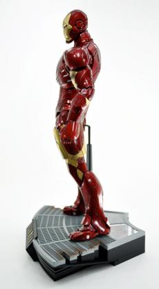 hot-ironman-vd-pose-01.jpg