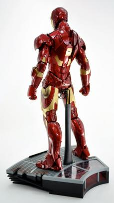 hot-ironman-vd-pose-02.jpg