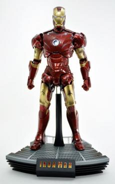 hot-ironman-vd-pose-04.jpg