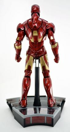 hot-ironman-vd-pose-05.jpg