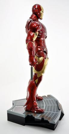 hot-ironman-vd-pose-08.jpg