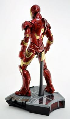 hot-ironman-vd-pose-10.jpg