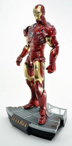 hot-ironman-vd-pose-11.jpg