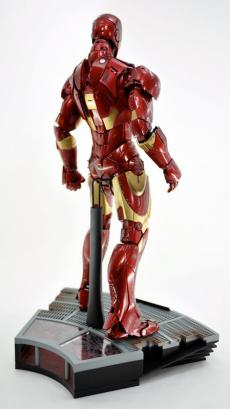 hot-ironman-vd-pose-15.jpg
