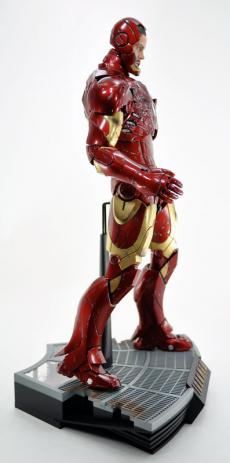hot-ironman-vd-pose-24.jpg
