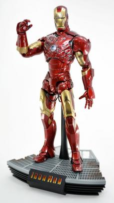 hot-ironman-vd-pose2-03.jpg