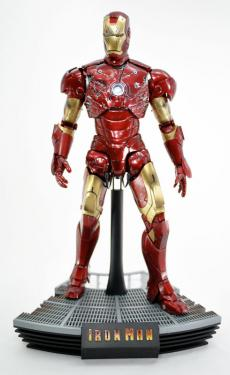 hot-ironman-vd-pose2-04.jpg