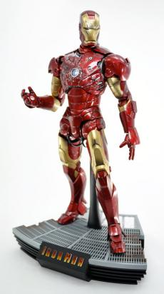 hot-ironman-vd-pose2-05.jpg