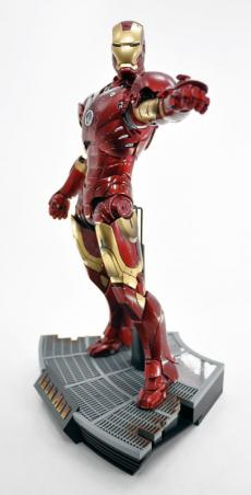 hot-ironman-vd-pose2-07.jpg