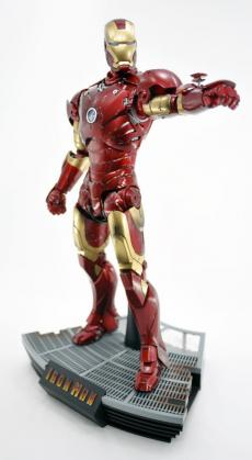 hot-ironman-vd-pose2-08.jpg