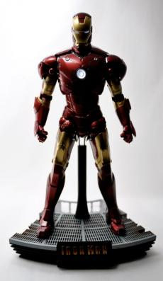 hot-ironman-vd-pose2-11.jpg