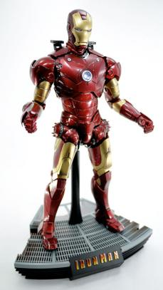 hot-ironman-vd-pose2-14.jpg