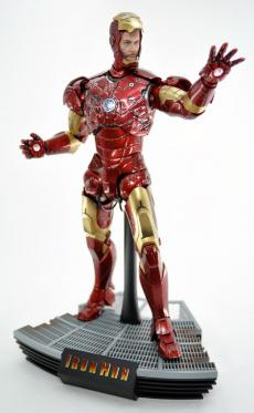 hot-ironman-vd-pose2-15.jpg