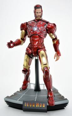 hot-ironman-vd-pose2-16.jpg