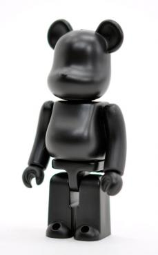 invincible-bearbrick-08.jpg