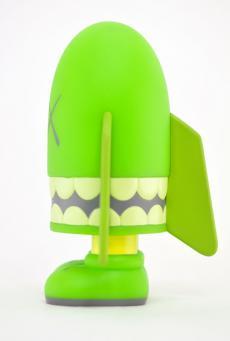 kaws-blitz-green-03.jpg