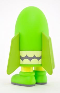 kaws-blitz-green-04.jpg