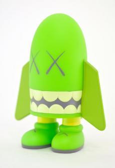 kaws-blitz-green-05.jpg