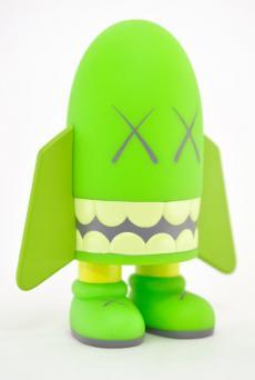 kaws-blitz-green-08.jpg