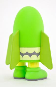 kaws-blitz-green-09.jpg