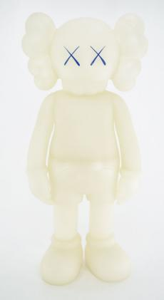kaws-companion-5years-blue-09.jpg