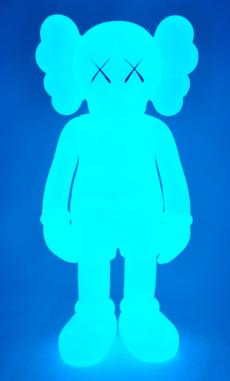 kaws-companion-5years-blue-17.jpg