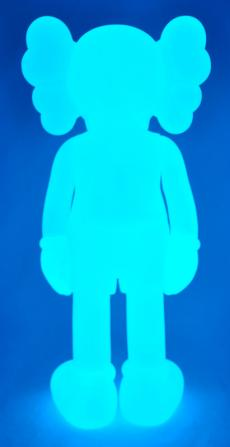 kaws-companion-5years-blue-18.jpg